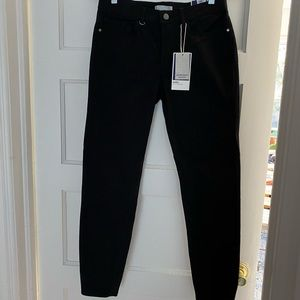 NWT Zara Mid Rise Black Jeans Super Soft Size 6